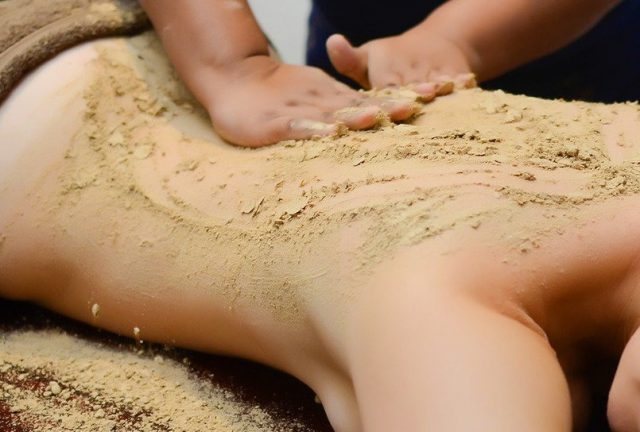 dry herb massage