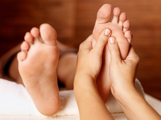 foot massage padabhyanga